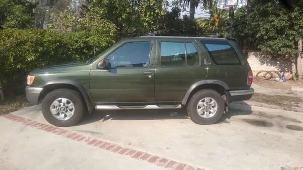 1999 Nissan Pathfinder - $1700 OBO