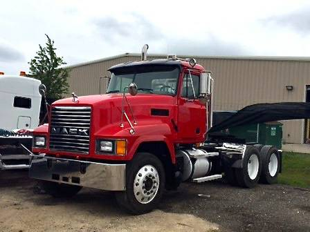 2002 MACK CH613 DAYCAB TRACTOR