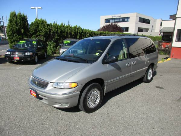 1996 Chrysler Town and Country-Loaded! So Nice!