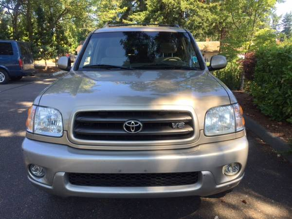 2003 Toyota Sequoia SR5 4dr SUV LOW MILES GREAT DEAL !!