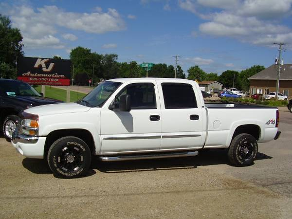 * 2006 GMC SIERRA 1500HD CREWCAB - 6.0 V8 - CLOTH - 89K MILES *