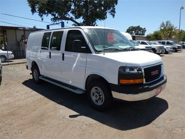 2015 *GMC Savana G2500* Work Van - White