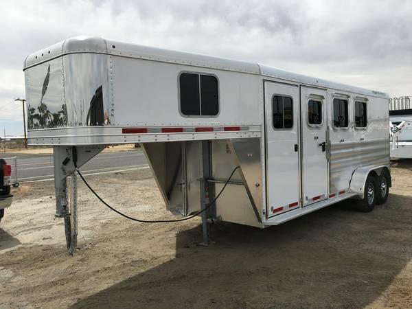 Gooseneck Three Horse Trailers, Featherlite 8533-673H