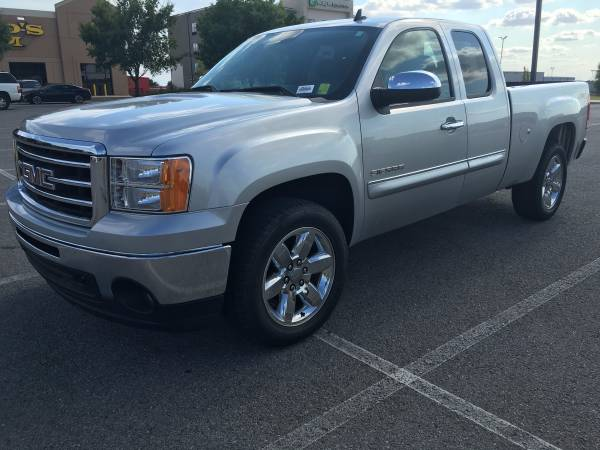2013 GMC Sierra 1500 SLE 4WD!! Excellent Condition! Come See Today!