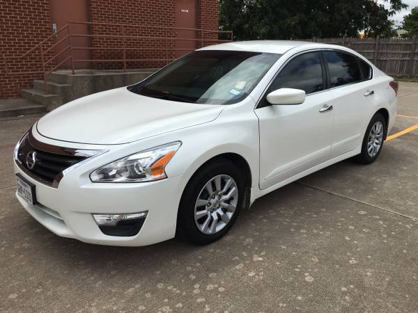 2013 Nissan Altima S! Great MPG