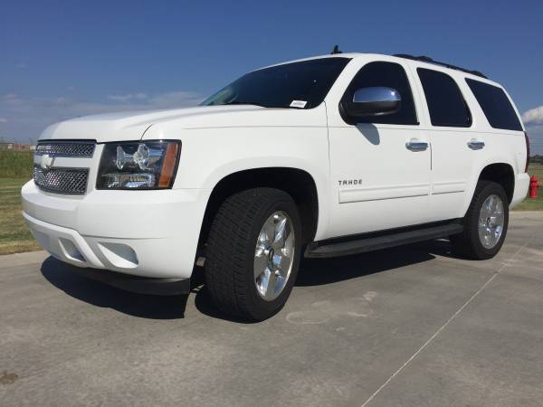 2012 CHEVROLET TAHOE~4WD~ LT PACKAGE~ALLOY WHEELS~TOW PACKAGE!!