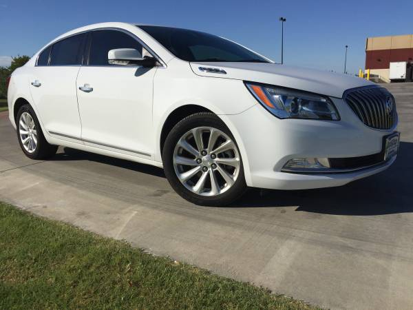 **2015 BUICK LACROSSE FWD~LEATHER LOADED~SUPER CLEAN**