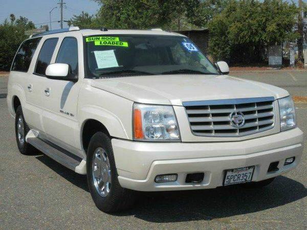 2005 *Cadillac* *Escalade* *ESV* Platinum Edition AWD 4dr SUV - $990...