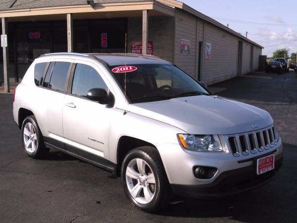 2011 JEEP COMPASS 4X4 LIKE NEW!