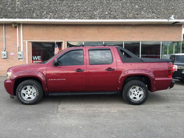 2007 *Chevrolet* *Avalanche* LS 1500 4dr Crew Cab 4WD SB -