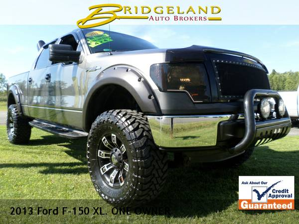 2013 Ford F-150 XLT CREW LIFTED AND STACKED ONE BAAAAD TRUCK! 25,000...