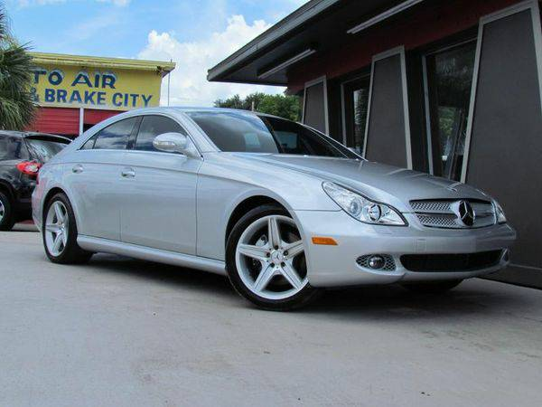 2008 *MERCEDES-BENZ* *CLS* 550 -CARFAX AVAILABLE, FINANCING GUARANTEED