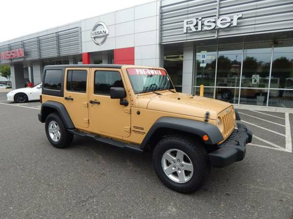 2014 JEEP WRANGLER UNLIMITED UT SPORT 14,096 miles low mileage