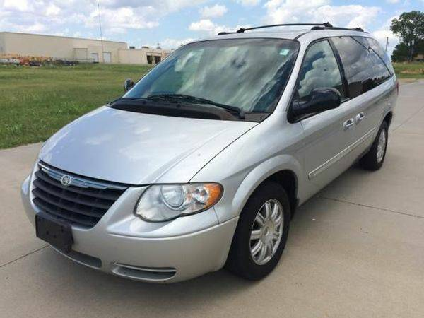 2005 *Chrysler* *Town* *and* *Country* Touring 4dr Extended Mini Van...