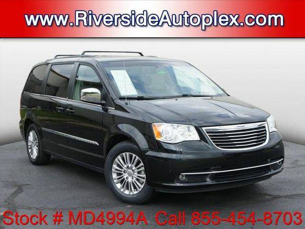 2013 *Chrysler* *Town* *&* *Country* Touring-L - Call or Text!...
