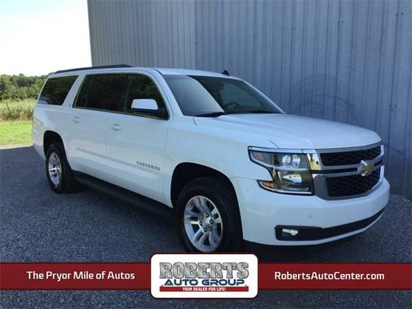 2015 *Chevrolet Suburban* LT - Chevrolet Summit White