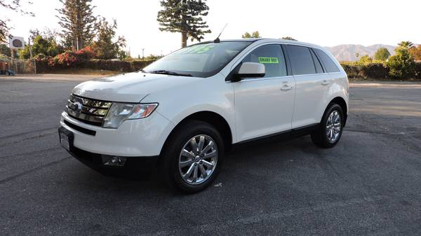 2008 FORD EDGE SEL WITH LEATHER AND PANORAMIC ROOF!