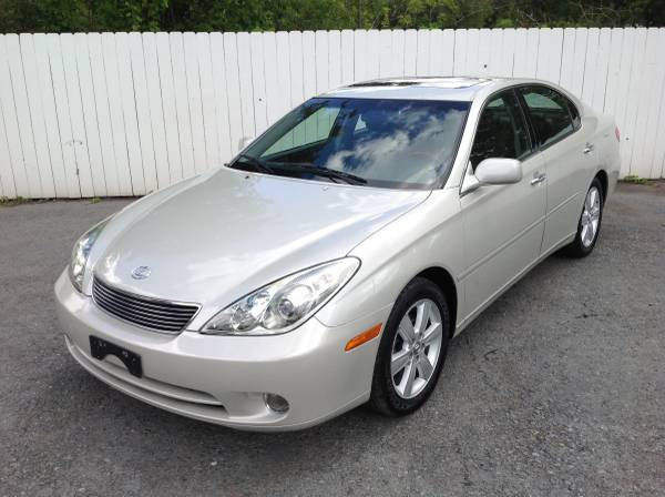 2005 Lexus ES330 Loaded Only 71,000 Miles Wood Grain Interior Must See