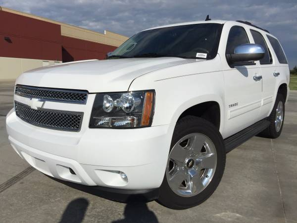 2012 CHEVROLET TAHOE!! 4X4!! LEATHER LOADED!! 3RD ROW SEATING!!
