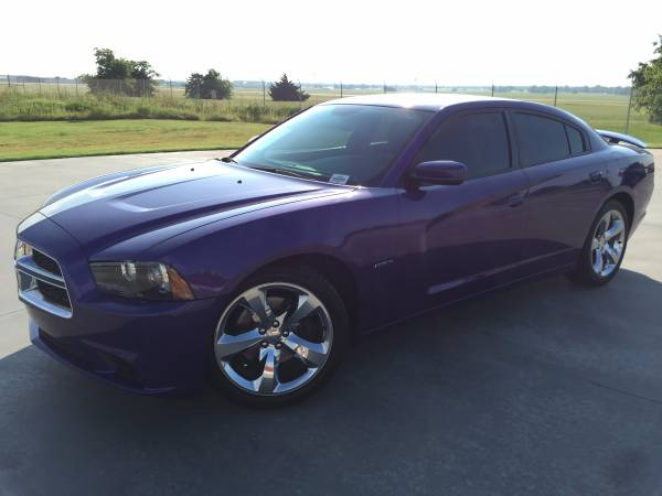 2012 DODGE CHARGER R/T HEMI!!! HARD TO FIND PLUM CRAZY!!!
