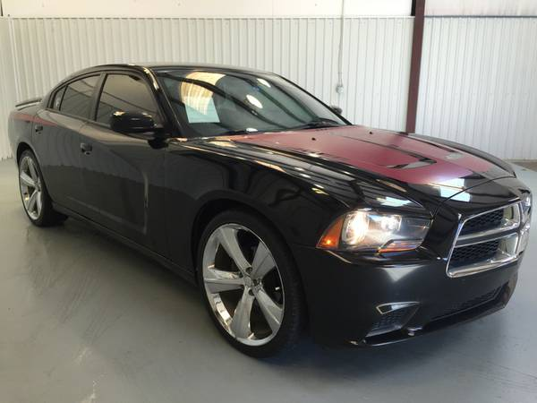 2012 DODGE CHARGER**CUSTOM RIMS*LEATHER**SPOILER**RED STRIPE**TINT!!!