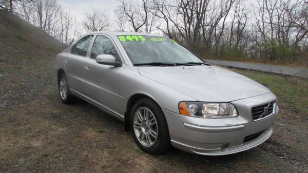 2009 VOLVO S60 AWD 2.5T NICE (ALL CREDIT OK)