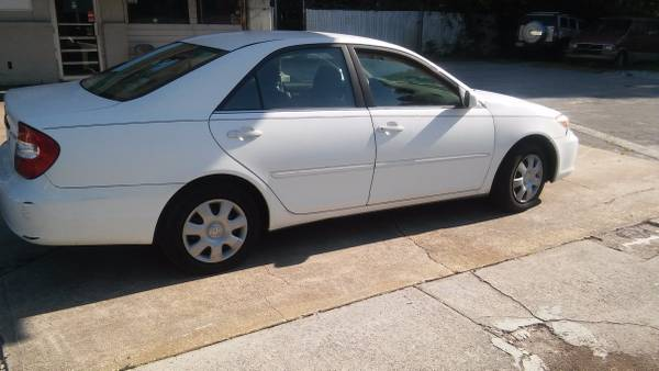 03 Toyota Camry le
