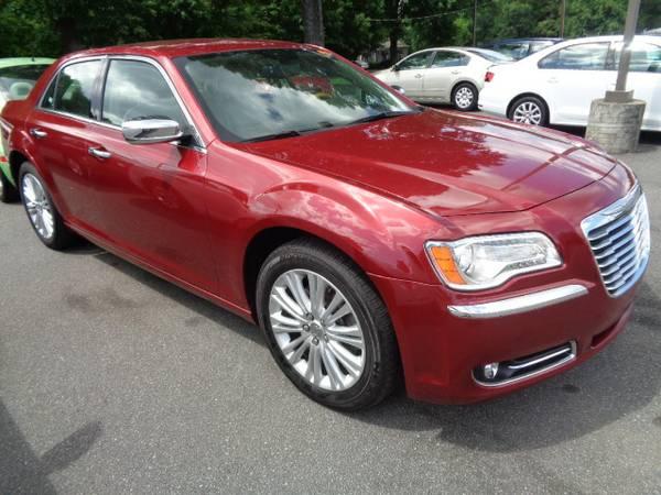 2014 Chrysler 300C AWD 37k miles *WE FINANCE!*
