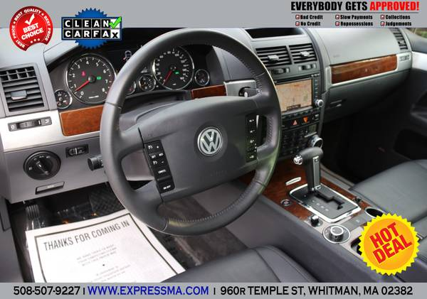 2008 **VOLKSWAGEN TOUAREG 2**NAVIGATION-AWD-LOADED-1OWNER-MINT**