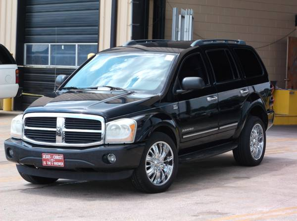2005 Dodge Durango Limited. 5.7L Hemi V8 Engine! 3RD ROW SEATS!