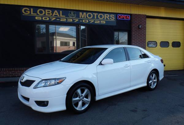 2010 TOYOTA CAMRY SE MUST VIEW