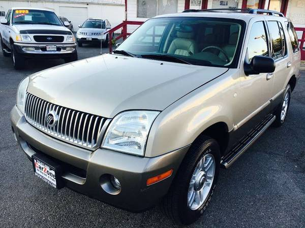 ///2004 Mercury Mountaineer///AWD///Fully Loaded///3rd row seat///LOOK