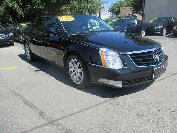 2010 *Cadillac* *DTS* 4d Sedan Premium *$499 Down Drives Today!*