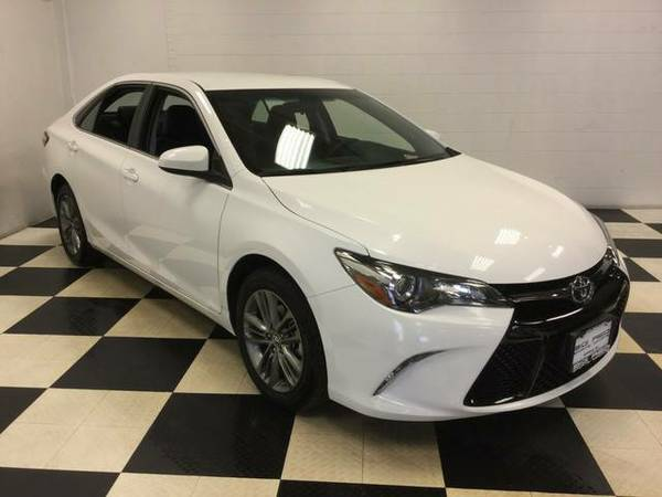 2015 TOYOTA CAMRY SE ONLY 32K MILES! FACTORY WARRANTY! MINT CONDITION!