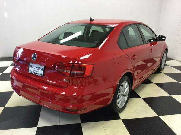 2015 VW JETTA SEDAN 1.8 TURBO CHARGED! 38K MILES! GOTTA SEE!!