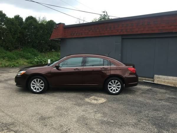 2012 Chrysler 200 Touring-$299 down + Trade-in*, Clean car!! Very Nice