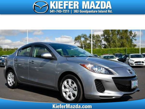 2013 *Mazda* *MAZDA3* *4dr Sdn Auto i Sport* 4dr Car