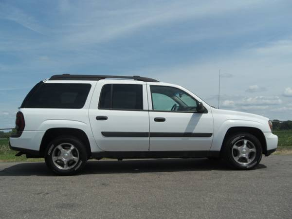 2005 Chevrolet TrailBlazer EXT LS THIRD ROW