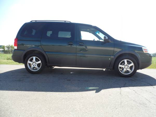 M1641 2006 PONTIAC MONTANA THIRD ROW SEATING RUNS GREAT