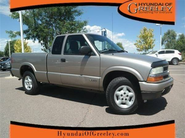2003 Chevrolet S-10 Ext Cab 123 WB 4WD LS Extended Cab Pickup