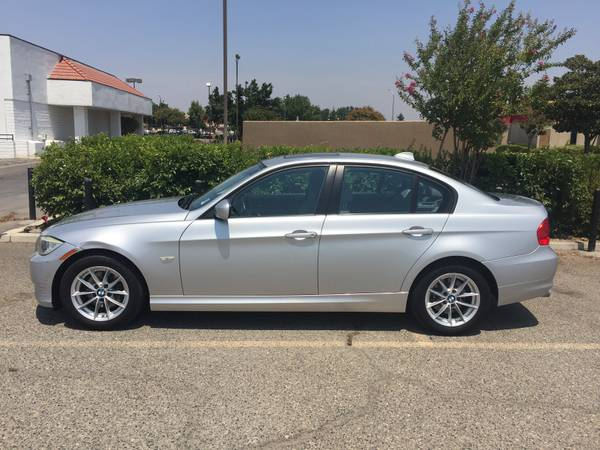 2010 BMW 328i SERIES **DIAMOND AUTO DEALERS, INC.**