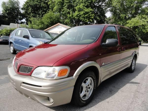 2004 Pontiac Montana Luxury ** SUPER CLEAN TRADE!! **