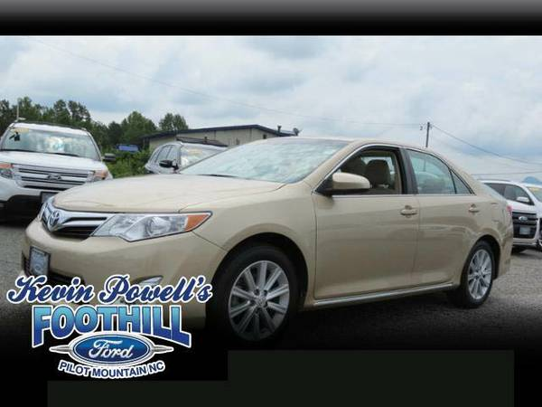 2012 Toyota Camry XLE **Only 16K Miles**