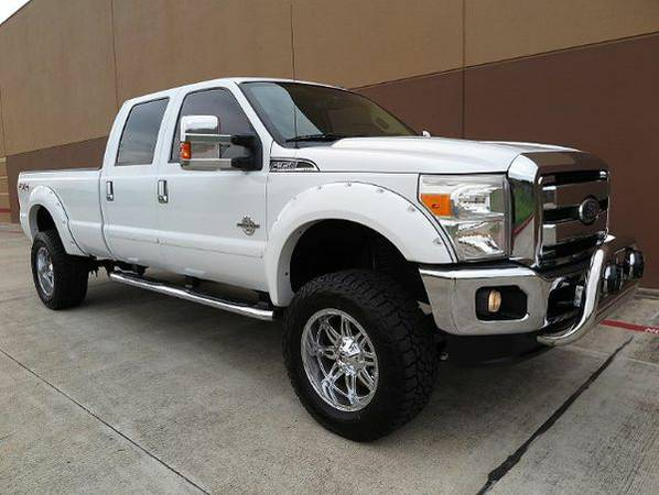 2011 *Ford* *F-350* *SD* Lariat Crew Cab Long Bed 4WD **GET FINANCED**