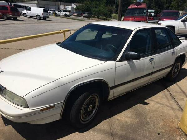 1992 Buick Regal, Clean and straight. Runs strong, COLD AC HOT HEAT