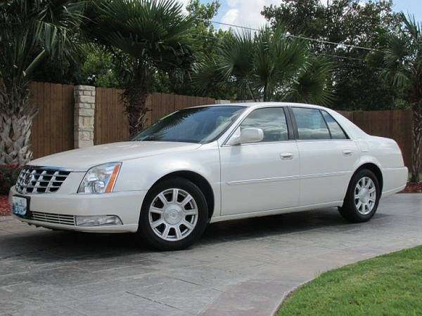 2010 Cadillac DTS.. WE WORK WITH ALL TYPES OF CREDIT 1500 DOWN w.a.c