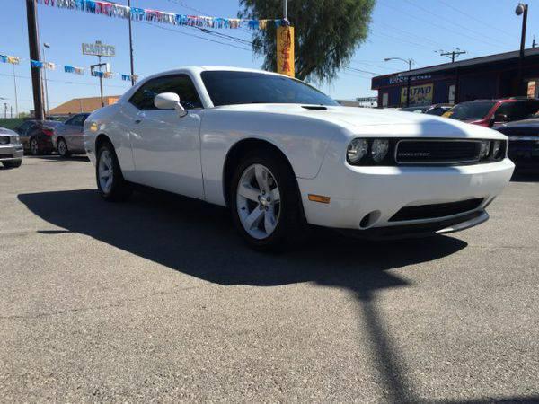 2013 *Dodge* *Challenger* SXT