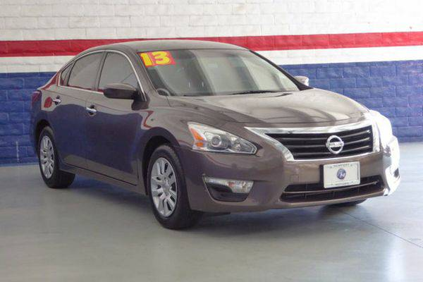 2013 *Nissan* *Altima* 2dr Coupe I4 2.5 S -📲$995 DOWN DELIVERS