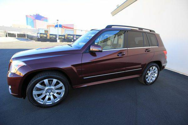 2011 *Mercedes-Benz* *GLK350** *NAVIGATION** *PANO* *ROOF** *LEATHER*
