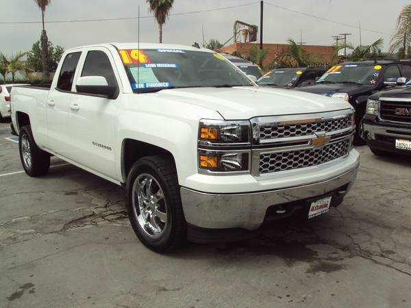 2014 *CHEVROLET* *SILVERADO* LT 4 DOORS 24,664 MILES $0 DOWN 1.99 APR